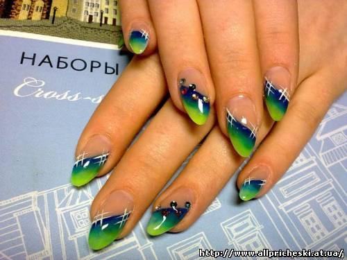 дизайн ногтей голубого цвета - Маникюр фото.